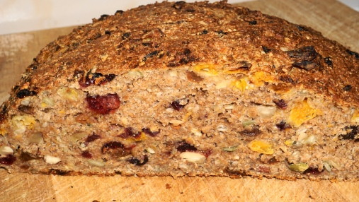 Spiced fruit and nut bread with clementines
